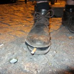 Pol's shoe broke, then it smoked a cigarette